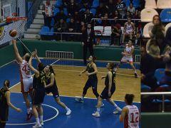Periler Fenerbahçe'ye (hakeme rağmen) iyi direndi